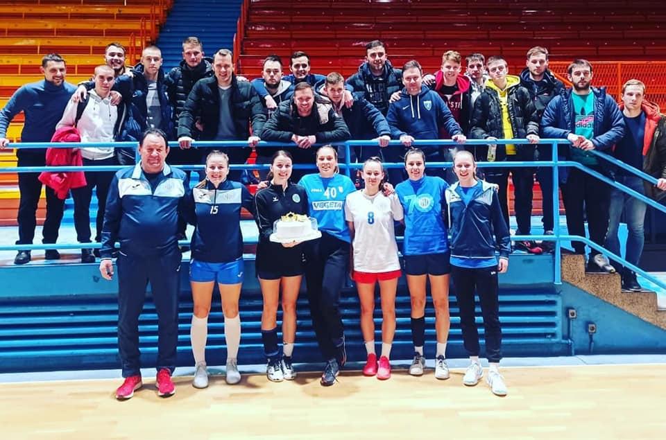 Igračice Lokomotive i igrači Futsal Dinama