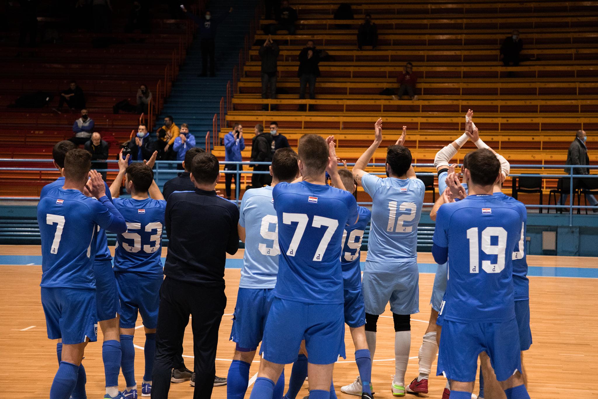 Dinamo obranio servis protiv Universitasa
